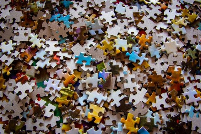 De een beschouwt het invullen van een kruiswoordpuzzel als niets meer dan een tijdverdrijf